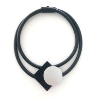 Halsband, BRN004