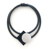 Halsband, BRN003